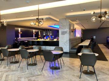 United Polaris Lounge Chicago Tische Und Bar