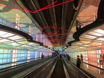 United Polaris Lounge Chicago Tunnel