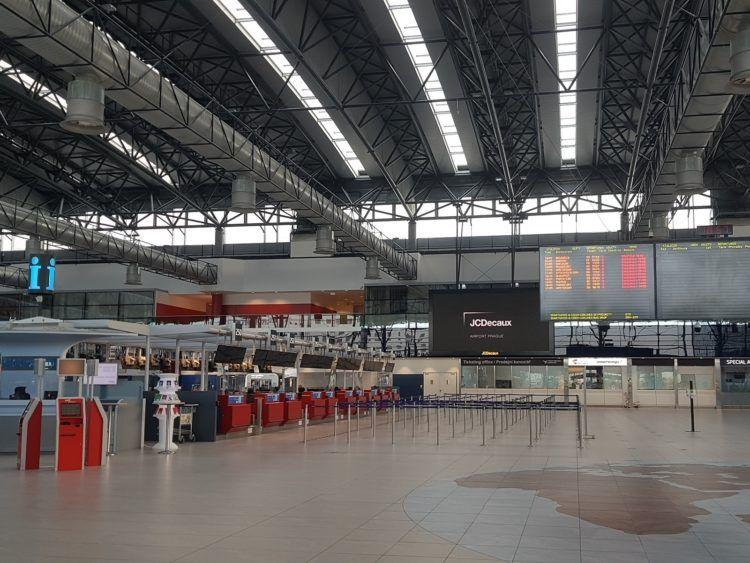 Flughafen Prag Terminal Innen