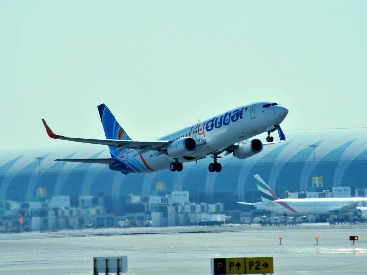 Flydubai Flugzeug In Dubai Copyright