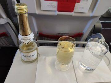 Austrian Airlines A319 Business Class Sekt