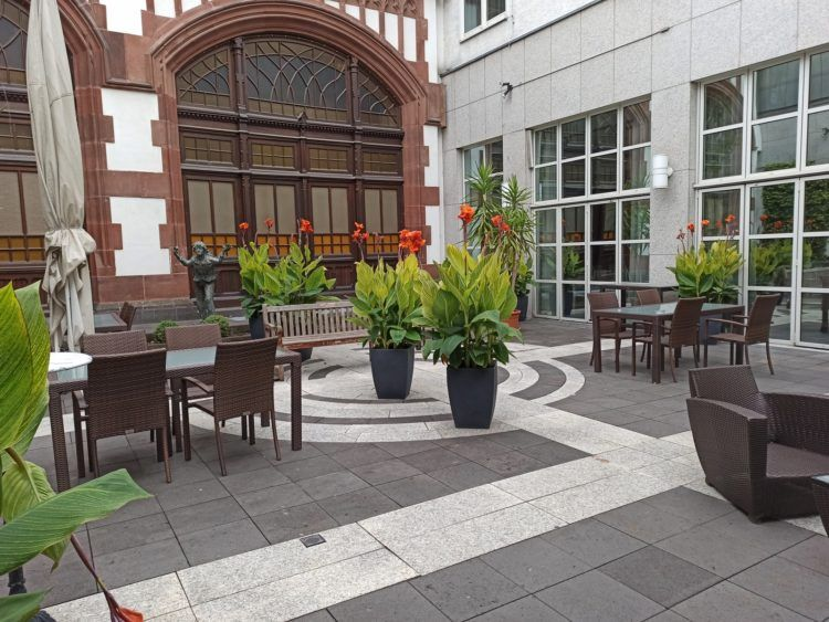 Hilton Mainz City Innenhof