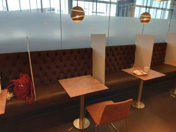 Sky Lounge Wien Schengen Buffet Sitzgelegenheiten