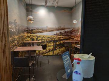 Sky Lounge Wien Schengen Buffet Stehtische
