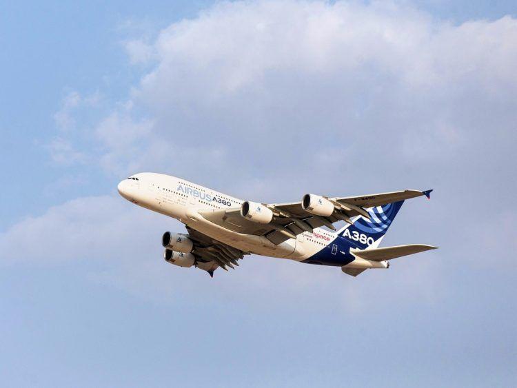 Airbus A380 Werkslackierung Start