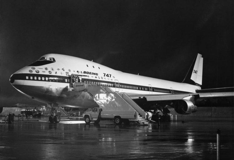 Erste Boeing 747 100 Pixabay