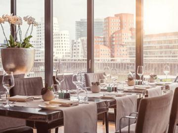 Hyatt Regency Duesseldorf Dox Restaurant Table Copyright