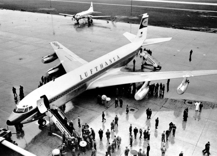 Lufthansa Boeing 707 Hamburg Copyright