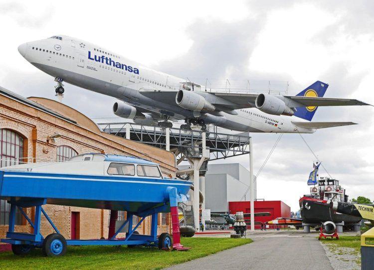 Lufthansa Boeing 747 200 Lufthansa Technik Museum Unsplash