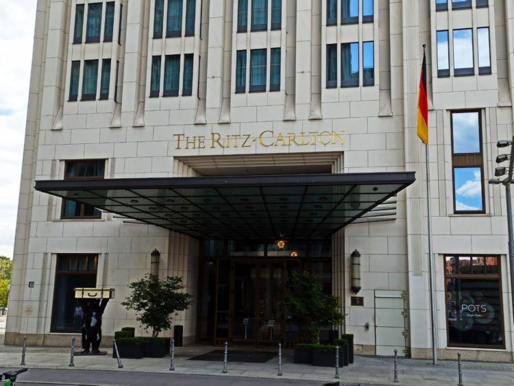 Ritz Carlton Berlin Eingang