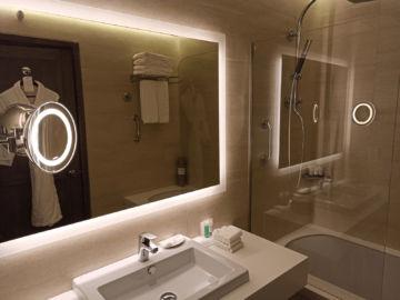 The Westin Dragonara Resort Malta Badezimmer