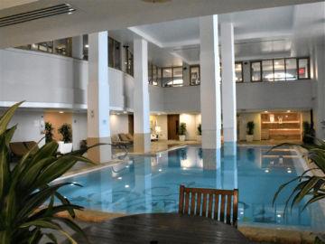 The Westin Dragonara Resort Malta Indoor Pool Sitzflaeche