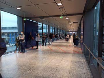 Warteschlange Centogene Testzentrum Frankfurt