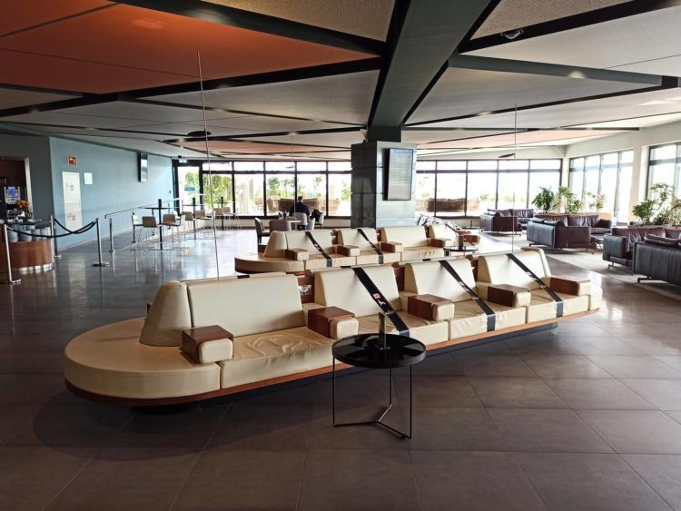 La Valette Club Lounge Malta Blick In Die Lounge