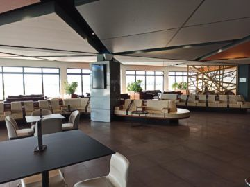La Valette Club Lounge Malta Essbereich