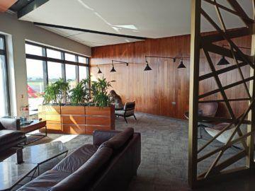 La Valette Club Lounge Malta Tisch 19