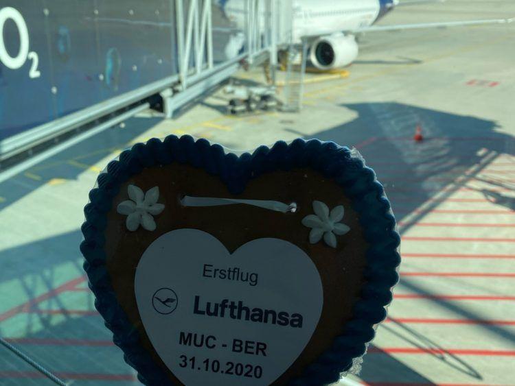 Lufthansa Erstflug Berlin Herz