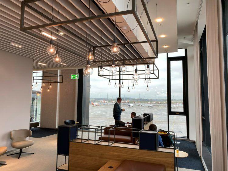 Lufthansa Erstflug Berlin Lounge