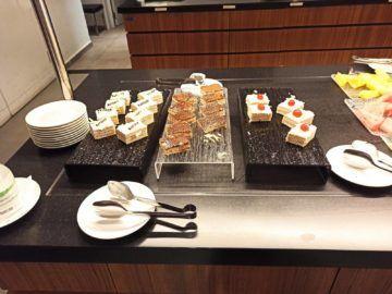 Ethiopian Airlines Sheba Platinum Lounge Addis Abeba Terminal 2 Kaltes Buffet Dessert