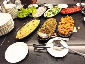 Ethiopian Airlines Sheba Platinum Lounge Addis Abeba Terminal 2 Kaltes Buffet Salate