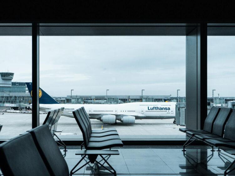 Lufthansa 747 Frankfurt Flughafen Wartebereich