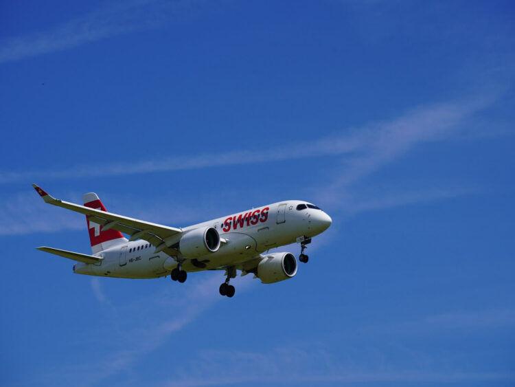 Swiss Airbus A220 100 Hb Jbc Flughafen Zuerich
