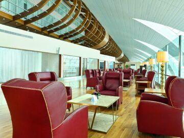 Wiedereroeffnung Emirates First Class Lounge Dubai Concourse B Sitzgelegenheit Copyright
