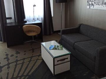 Le Meridien Grand Hotel Nuernberg Junior Suite Schreibtisch