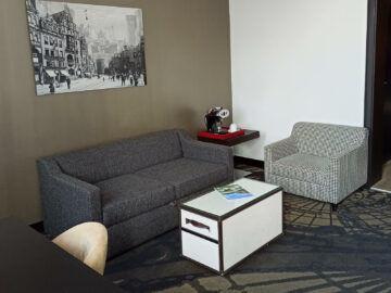 Le Meridien Grand Hotel Nuernberg Junior Suite Schreibtisch Und Sofa