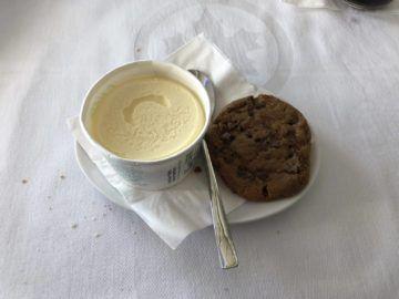 air canada business class boeing 777 eiscreme cookie