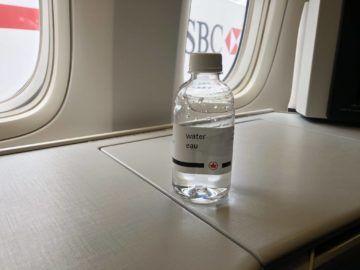 air canada business class boeing 777 wasserflasche