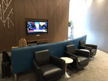 air canada maple leaf lounge calgary sofa mit tv1