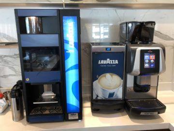 air canada maple leaf lounge vancouver kaffeautomaten