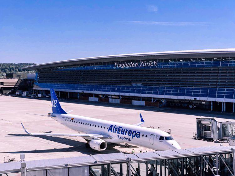air europa express erj 195 flugzeug zuerich airport