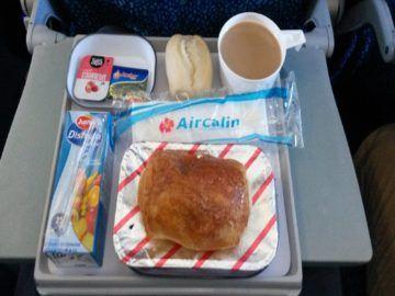 aircalin economy class fruehstueck