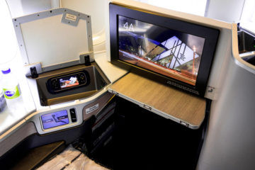 aircanada business class boeing 777 monitor
