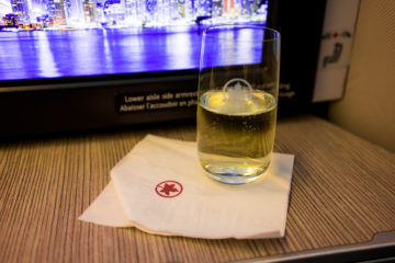 aircanada business class boeing 777 welcome drink
