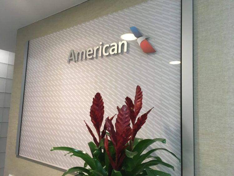 americanairlines admiralsclub londonheathrow logo