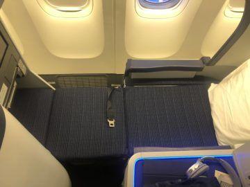 ana business class boeing 777 300 sitz als bett