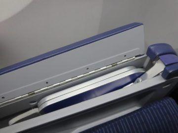ana business class boeing 787 tisch 4