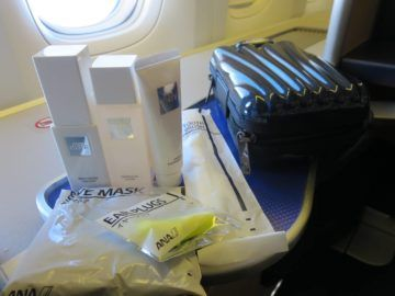 ana first class boeing 777 300er amenity kit 4