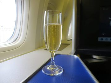 ANA First Class Champagner