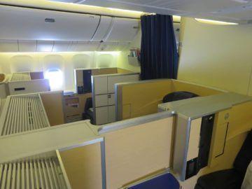 ana first class boeing 777 300er kabine 4