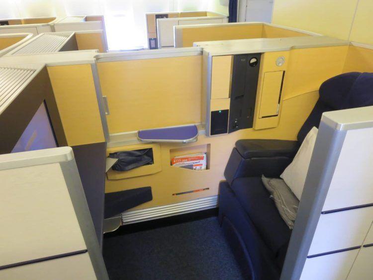 ana first class boeing 777 300er sitz 1