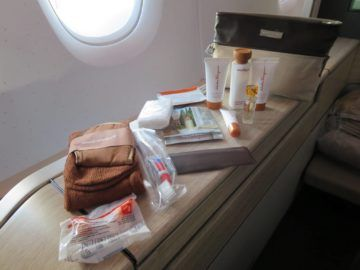 asiana first class a380 amenity kit 2