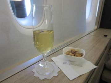 asiana first class a380 essen 0 champagner