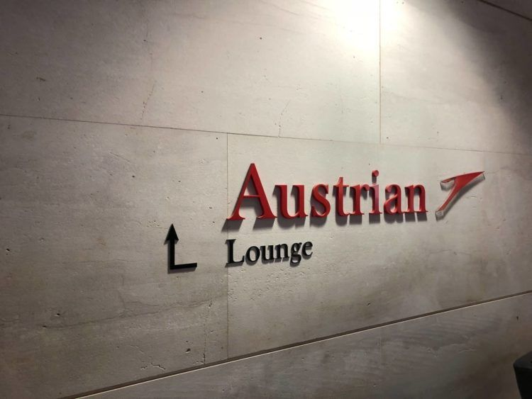 austrian airlines business class lounge wien terminal d logo