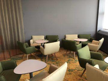 austrian airlines business class lounge wien terminal d sitzmoeglichkeiten2
