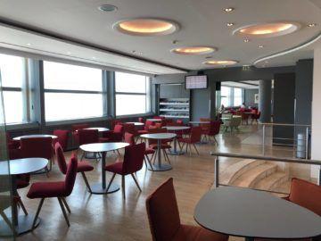 austrian airlines business class lounge wien terminal d sitzmoeglichkeiten3