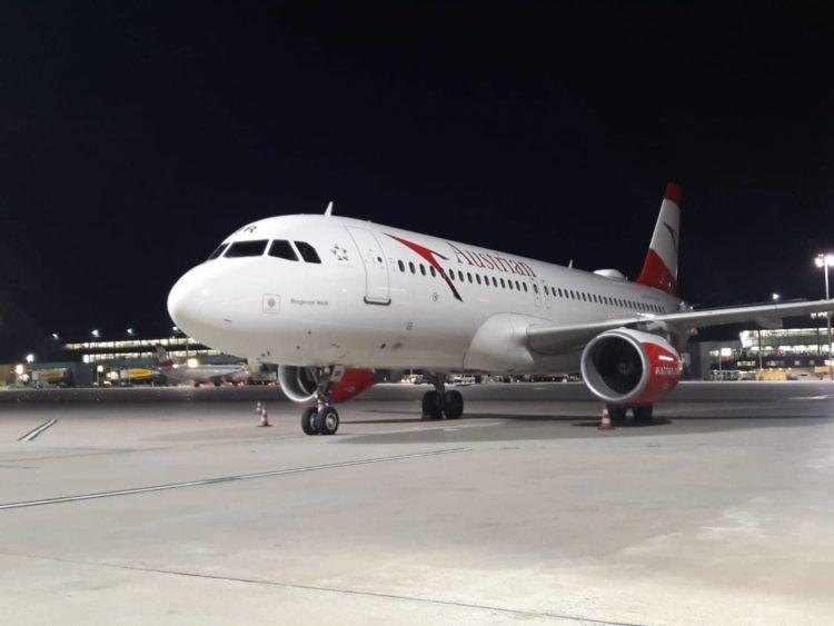 austrian airlines flugzeug rollfeld